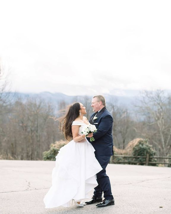 This lovely couple is on the blog!! They celebrated their courthouse elopement with mountain top portraits and a weekend...