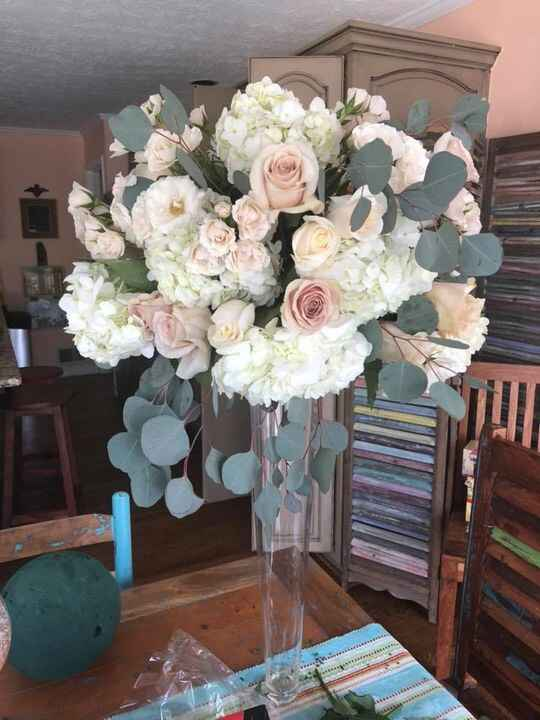 When you create a floral arrangement so nice you enjoy it for a bit. Unfortunately it goes to the office tomorrow. Peach...