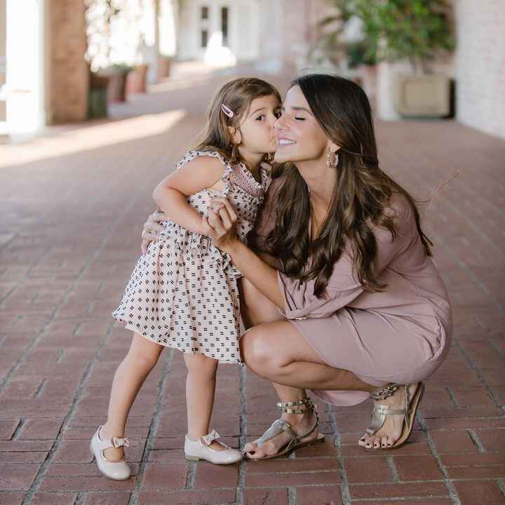 Motherhood - The most Amazing and Exhausting thing at the same time. -Happy Mother's Day 💕-Photo: @karinapiresphotograph...