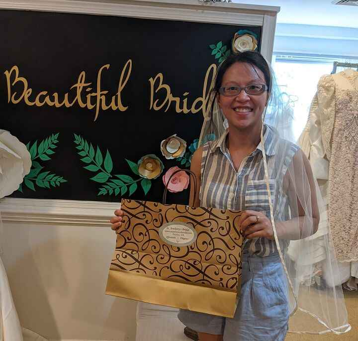 Alison traveled all the way from Minnesota to visit her friend AND come to St Anthony's! She was able to find a veil and...