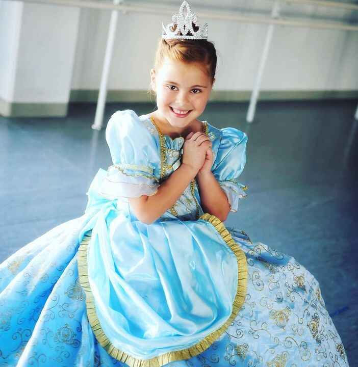 Treat your little Princess to the perfect party! 👑 Watch them dance, twirl and smile til their cheeks hurt 😊 Tiaras incl...